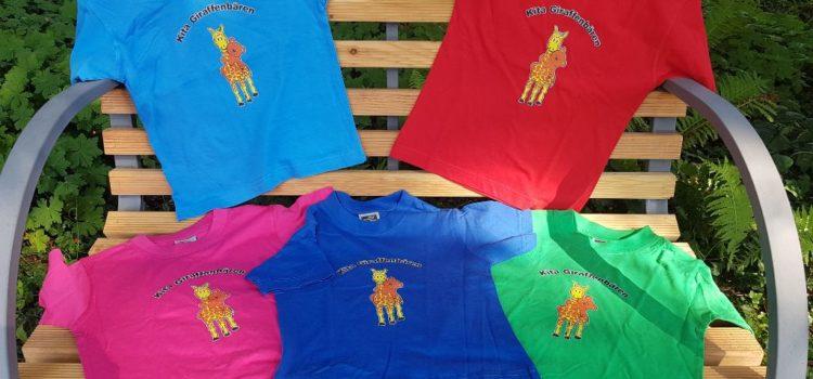 Giraffenbären-Shirts